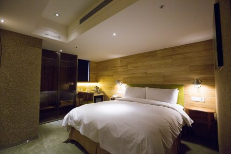 2人房一大床-8542