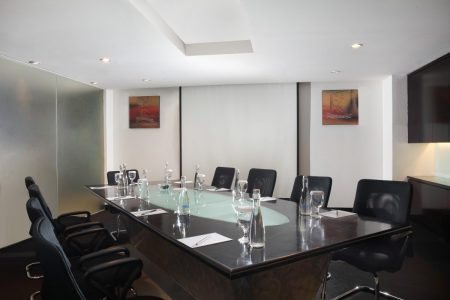 grandkemang-Jakarta-Meeting-Room-Rayla1