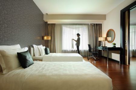 grandkemang-Jakarta-Room-Make-Up-Room-Service