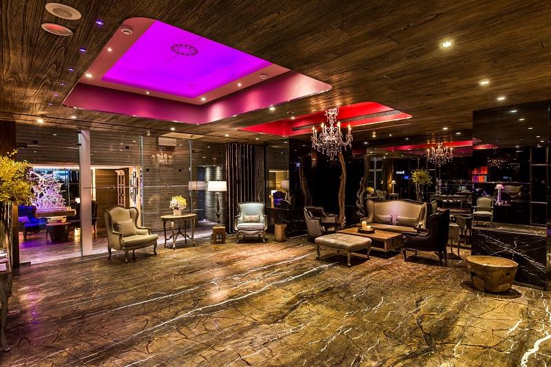 台北住宿推薦薆悅酒店西寧館,薆悅酒店西寧館客房設計為時尚奢華的暗色風格,是品質最好的台北飯店。服務人員專業親切的貼心服務,是您到西門町住宿的推薦首選。