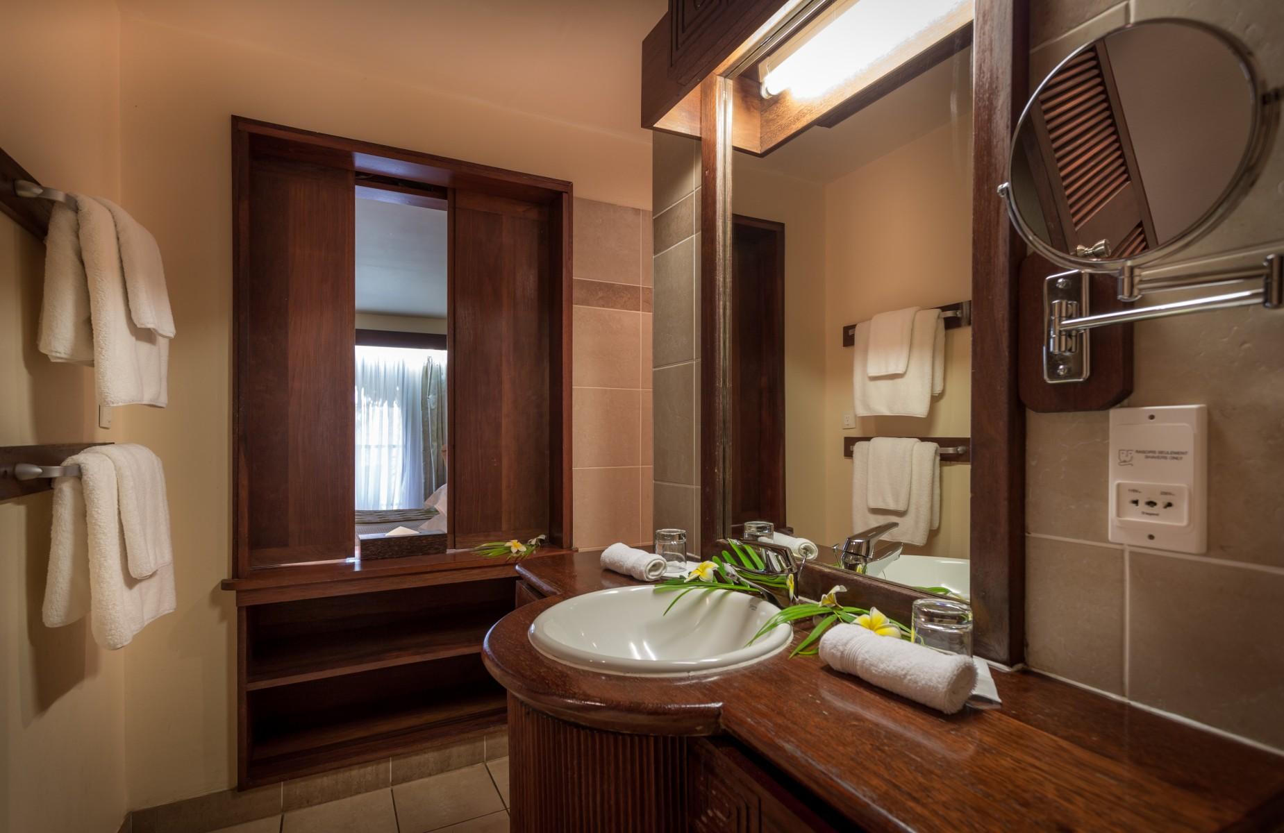 Manava Beach Resort & Spa Hotel Moorea - Garden view room