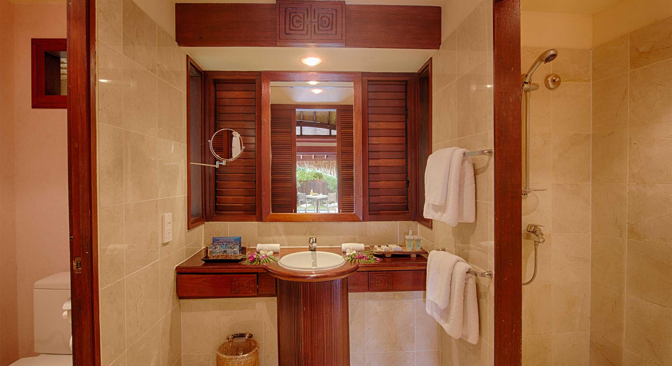 Manava Beach Resort & Spa Hotel Moorea - Premium Garden Pool Bungalow