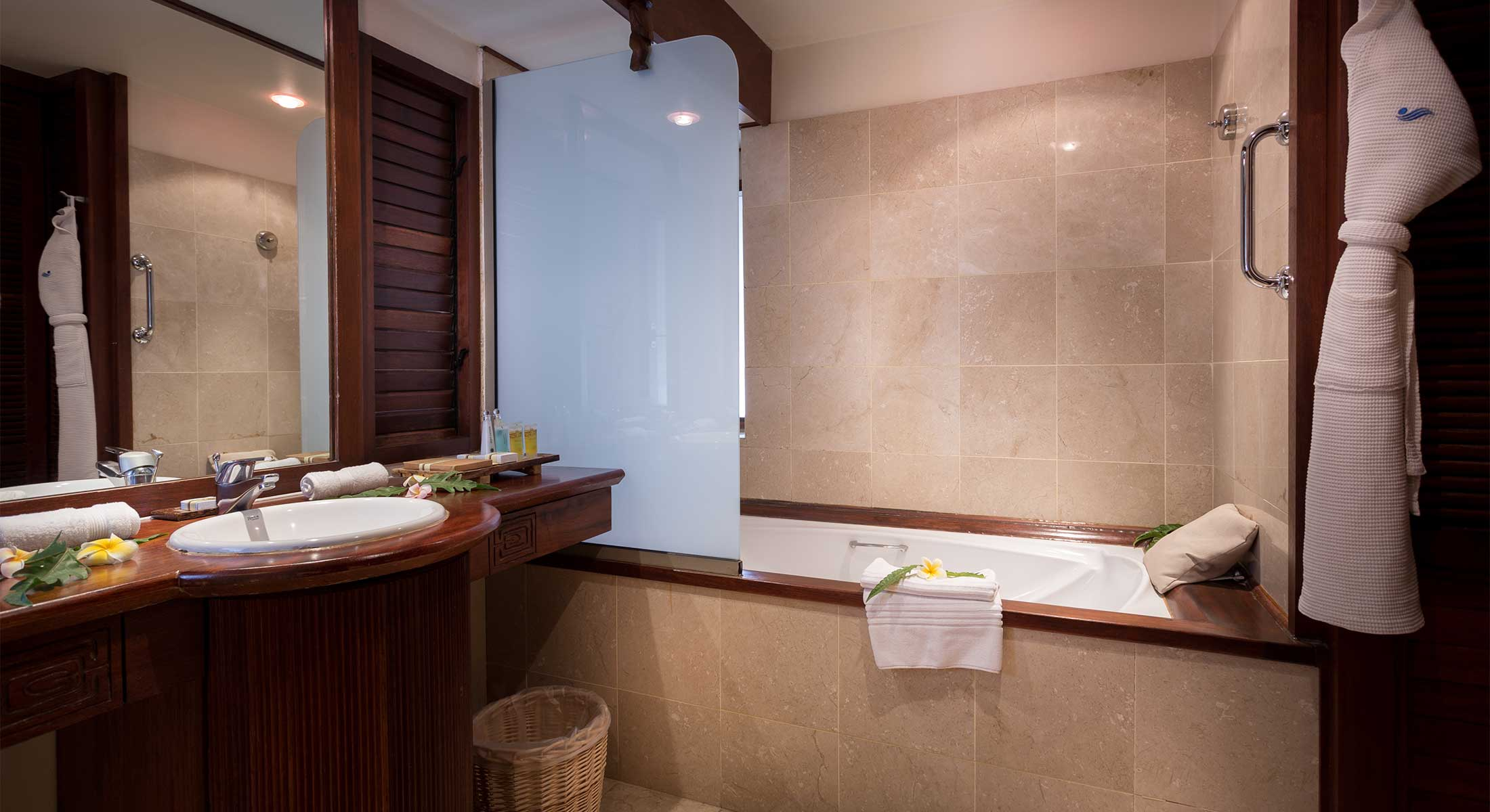 Salle De Bain Bungalow ~ manava beach resort spa hotel moorea bungalow pilotis premium