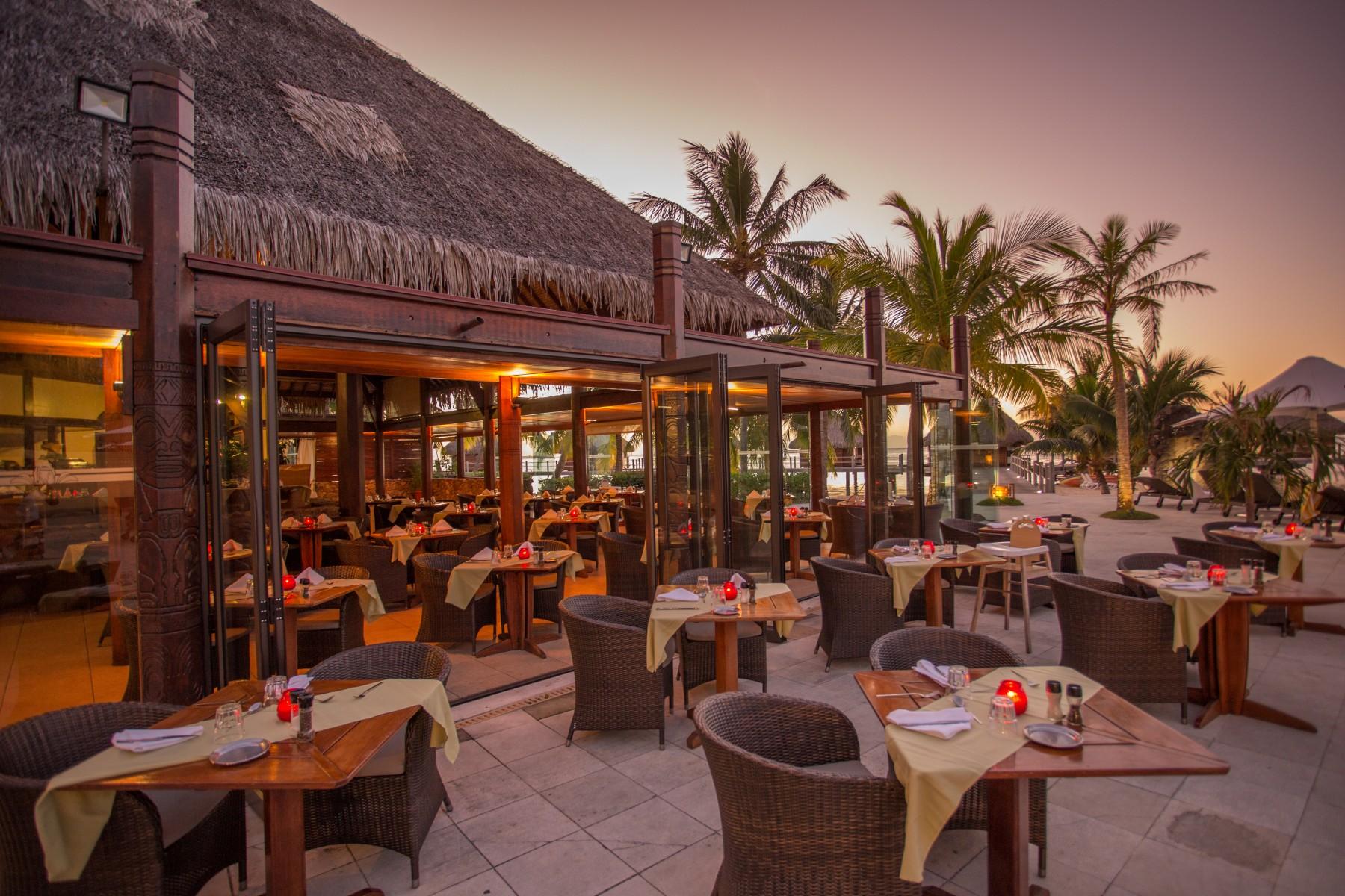 restaurant mahana i moorea manava beach resort spa hotel moorea