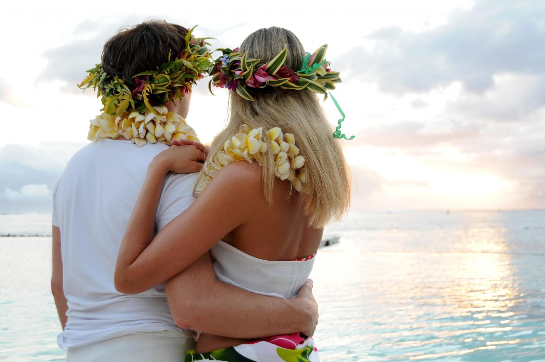 Tahiti dating service