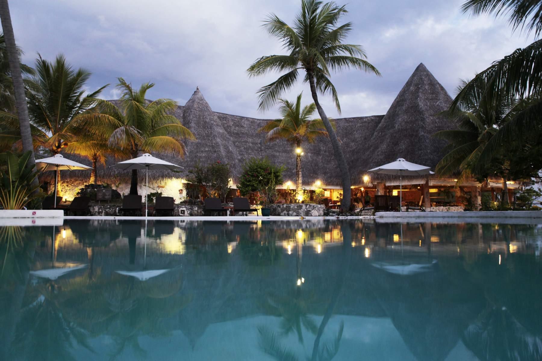 Restaurant Poreho  Tikehau Pearl Beach Resort hotel
