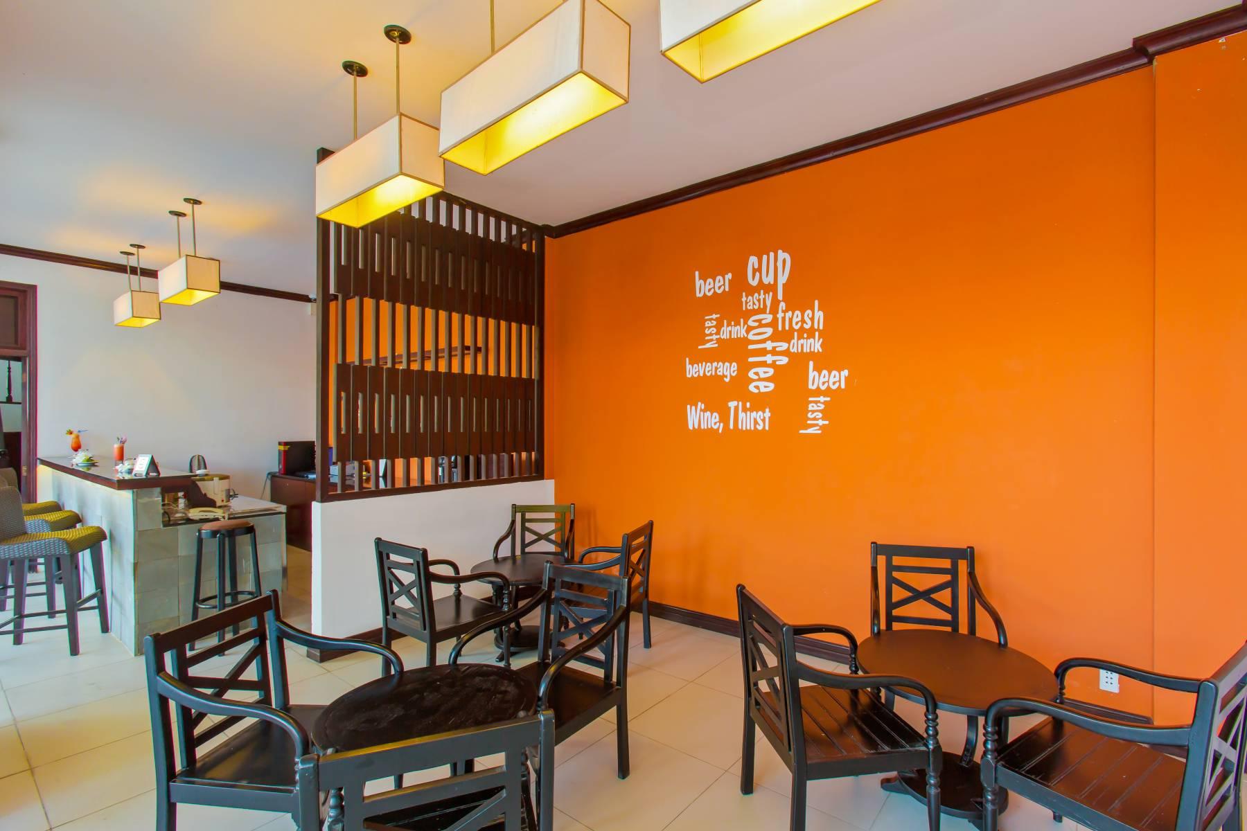 Restaurants & Bars - Sunshine Bar Hoi An Hotel - Hoi An Beach Resort  De Vong river