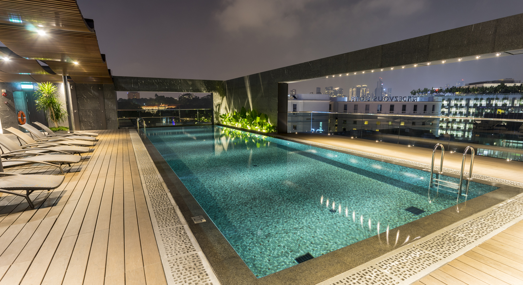 Wellness Swimming Pool Singapore Hotel Bencoolen