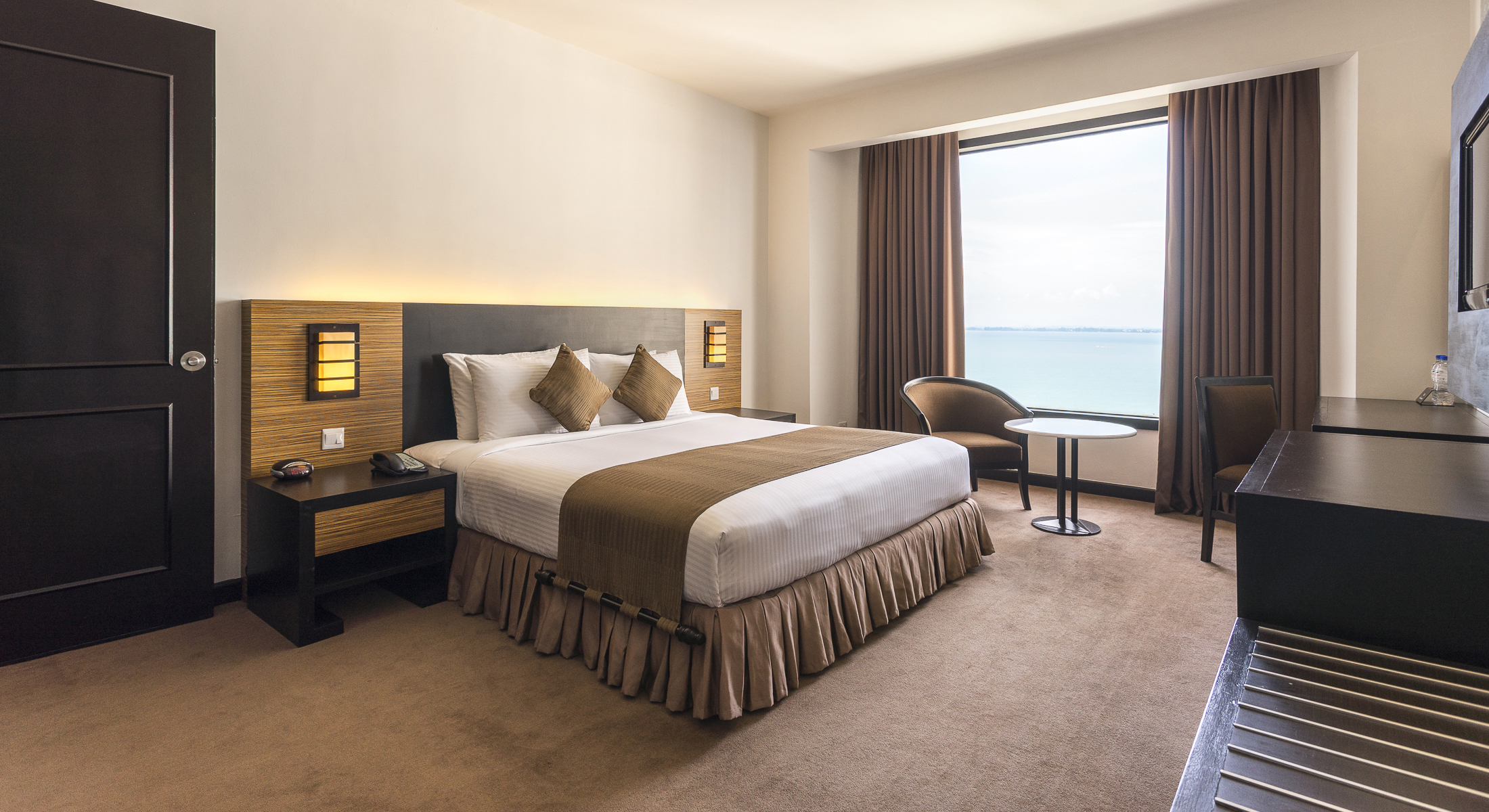 Rooms Amp Suites Suite Room Penang Hotel Bayview Hotel