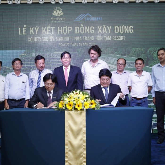 CONSTRUCTION CONTRACT SIGNING CEREMONYOF 4-STAR HOTEL PROJECT COURTYARD BY MARRIOTT NHA TRANG HÒN TẰM RESORT