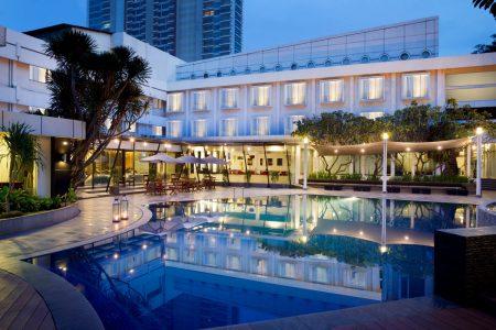 grandkemang-Jakarta-Swimming-Pool