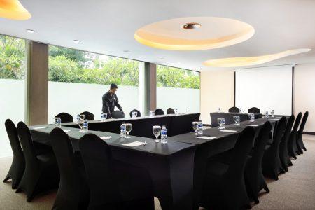 grandkemang-Jakarta-Meeting-Room-Allura-2