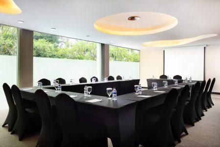 grandkemang-Jakarta-Meeting-Room-Allura-11