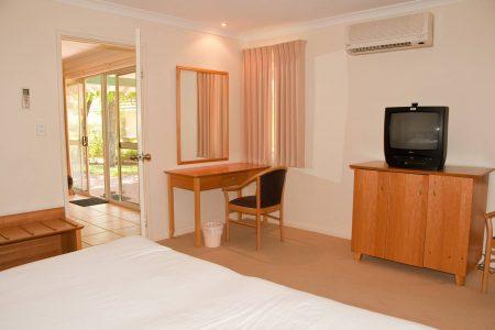 Three Bedroom Standard Spa Villa - Bedroom2
