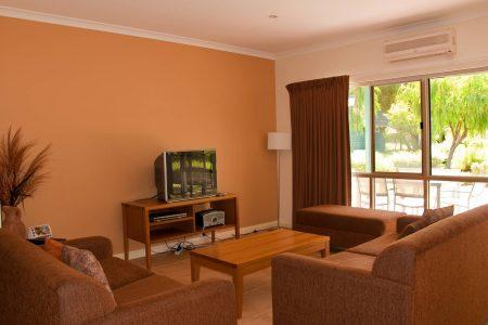 Three Bedroom Garden Spa Villa - Lounge