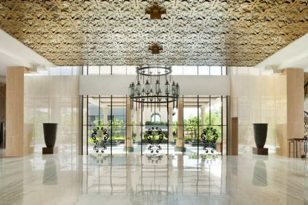 Lobby & Facade