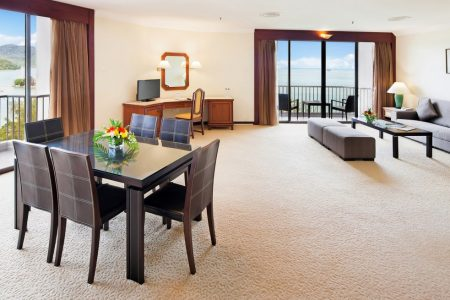 bayview-hotel-penang-gallery-Executive-Suite-1