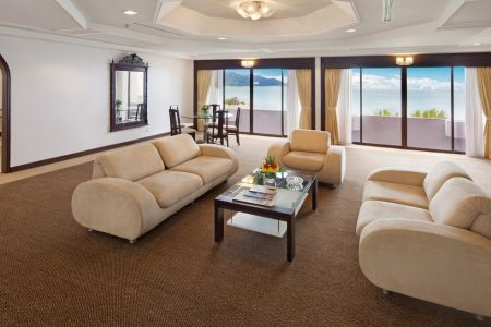 bayview-hotel-penang-rooms-and-suites-penthouse-image02