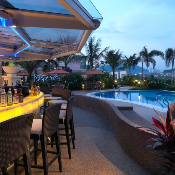 Poolbar And Grill
