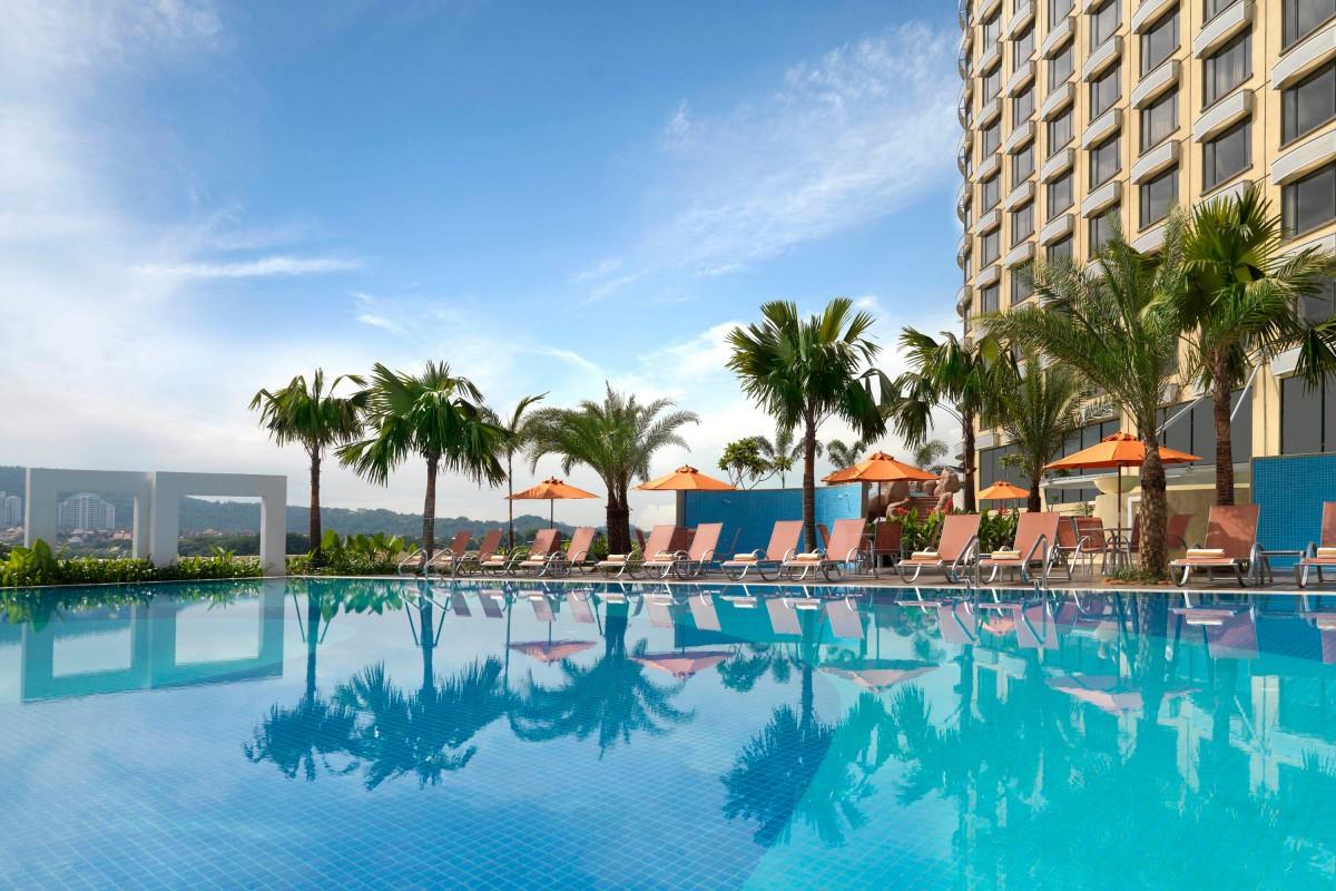 Facilities swimming pool petaling jaya hotel one world - Swimming pool specialist malaysia ...