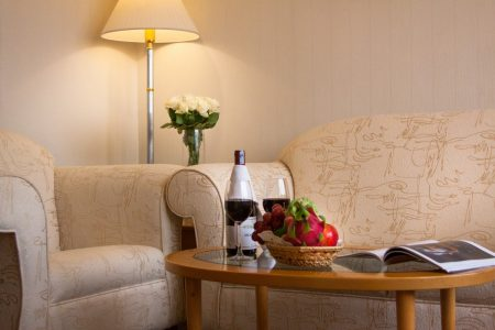 Executive suite - Living room02