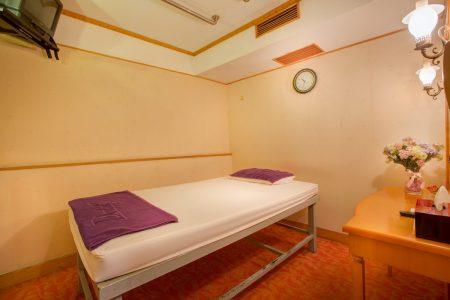 Sauna _ Massage Room (2)