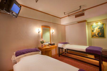 Sauna _ Massage Room (3) -slide
