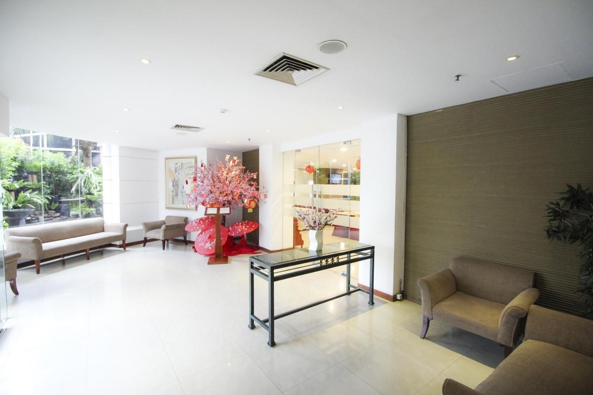 THE ORIENTAL CAFÉ Jakarta Hotel - Redtop Hotel in Pecenongan ...