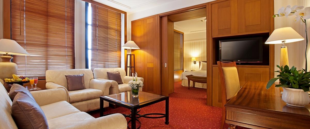 Plaza Club Suite Living Room 1200x500